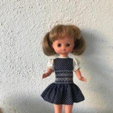 Muñecas Lesly de Famosa: MUÑECA LESLY 10 PECAS IRIS ARONA DE LAS PRIMERAS BRAZO DURO HERMANA NANCY. Lote 137181642