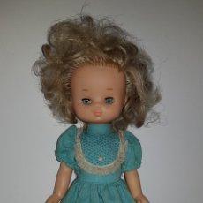 Muñecas Lesly de Famosa: ANTIGUA LESLY 10 PECAS DE FAMOSA AÑOS 70 TODA ORIGINAL. Lote 141564024