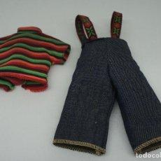 Muñecas Lesly de Famosa: CONJUNTO DE LESLY BLACK JEANS DE ÉPOCA.. Lote 143580258