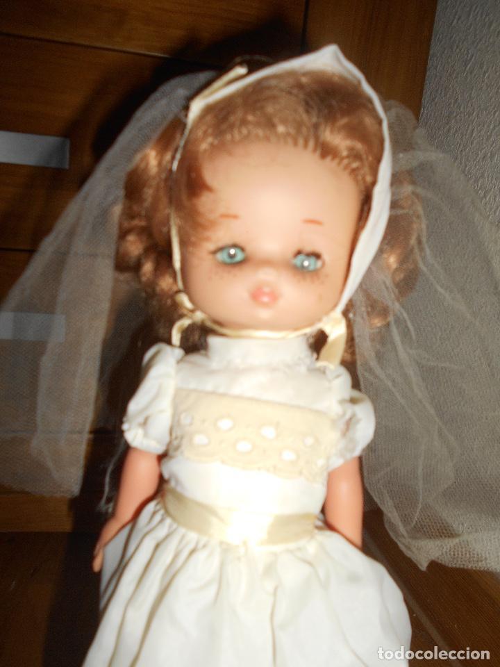 Muñecas Lesly de Famosa: Muñeca Lesly 10 pecas brazo duro pelirroja comunión años 70 - Foto 4 - 151921270