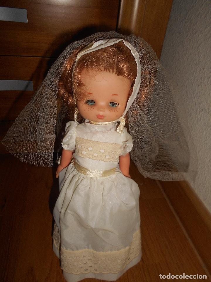 Muñecas Lesly de Famosa: Muñeca Lesly 10 pecas brazo duro pelirroja comunión años 70 - Foto 5 - 151921270