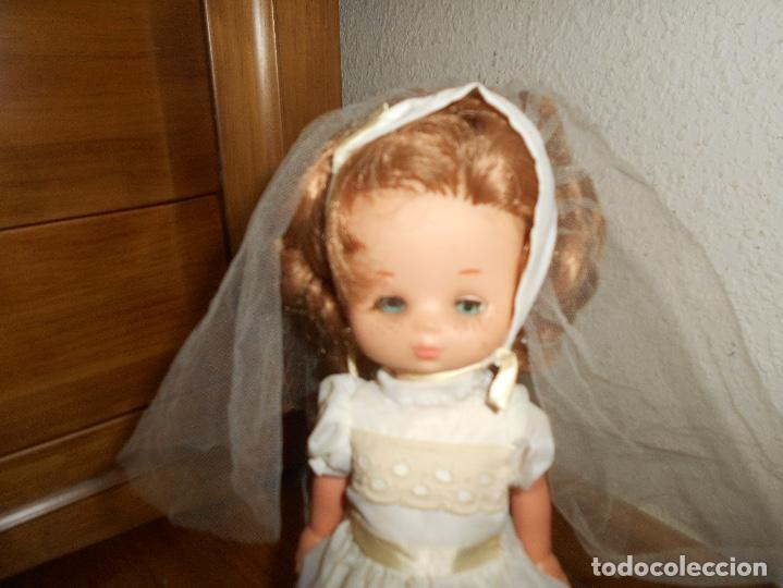 Muñecas Lesly de Famosa: Muñeca Lesly 10 pecas brazo duro pelirroja comunión años 70 - Foto 6 - 151921270