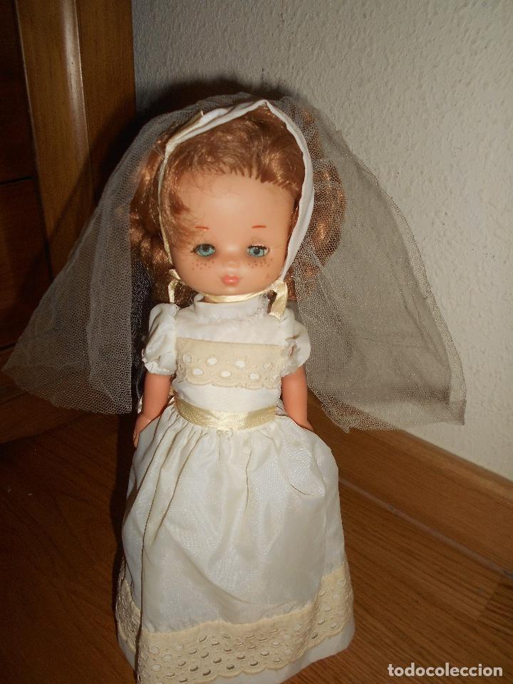 Muñecas Lesly de Famosa: Muñeca Lesly 10 pecas brazo duro pelirroja comunión años 70 - Foto 7 - 151921270