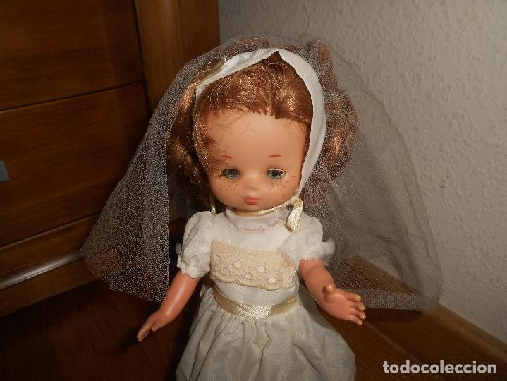 Muñecas Lesly de Famosa: Muñeca Lesly 10 pecas brazo duro pelirroja comunión años 70 - Foto 8 - 151921270