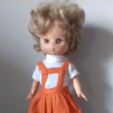 Muñecas Lesly de Famosa: LESLY 10 PECAS BRAZOS DUROS CONJUNTO JACKAR COMPLETO. Lote 48380970