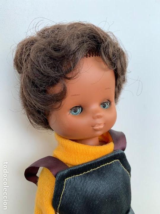 Muñecas Lesly de Famosa: ANTIGUA Y PRECIOSA LESLY NEGRITA - LESLY NEGRA - RARISIMA Y DIFICIL DE CONSEGUIR - TIENE LAS PESTAÑA - Foto 5 - 159888538