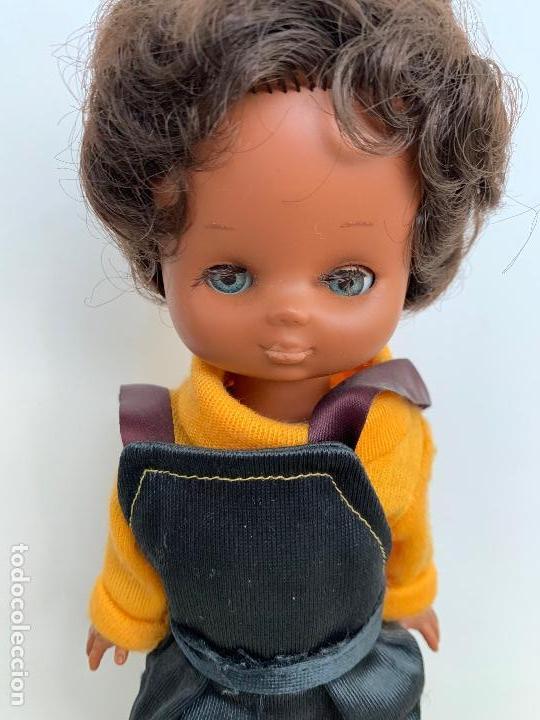 Muñecas Lesly de Famosa: ANTIGUA Y PRECIOSA LESLY NEGRITA - LESLY NEGRA - RARISIMA Y DIFICIL DE CONSEGUIR - TIENE LAS PESTAÑA - Foto 9 - 159888538
