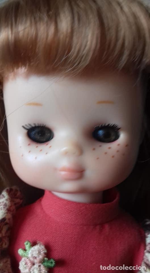 Muñecas Lesly de Famosa: lesly pelirroja hermana de nancy ,brazo duro con el conjunto gala - Foto 3 - 160255162