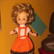 Muñecas Lesly de Famosa: LESLY HERMANA NANCY 10 PECAS PELO RIZADO OJOS ARONA. Lote 160870054