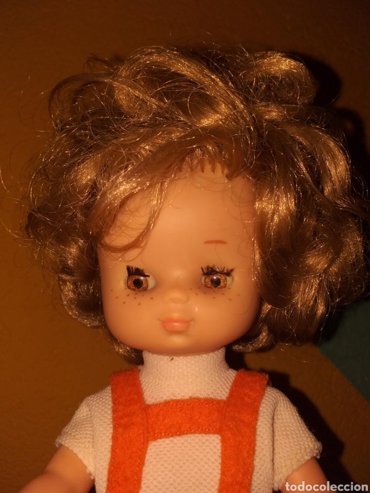 Muñecas Lesly de Famosa: Lesly hermana nancy 10 pecas pelo rizado ojos arona - Foto 4 - 160870054