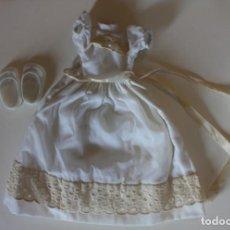 Muñecas Lesly de Famosa: VESTIDO DE COMUNIÓN Y ZAPATOS ORIGINAL LESLY - FAMOSA, AÑOS 70. Lote 167183444