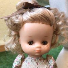 Muñecas Lesly de Famosa: LESLY 10 PECAS AÑOS 70. Lote 174065034