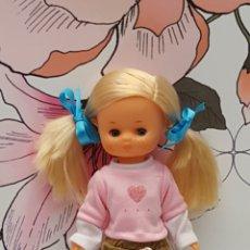 Muñecas Lesly de Famosa: CONJUNTO PARA LESLY O MUÑECAS SIMILARES. Lote 205000930