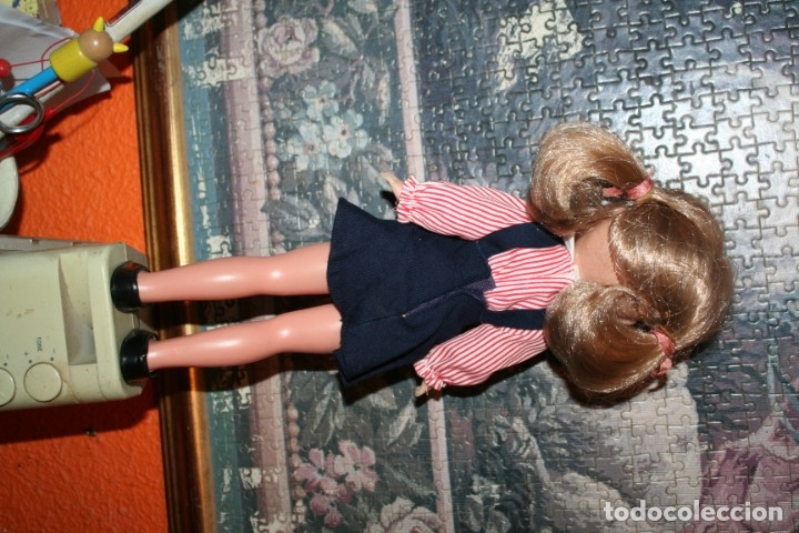 Muñecas Lesly de Famosa: muñeca lesly antigua arona pelirroja con vestido colegiala muy buen estado - Foto 4 - 178378826