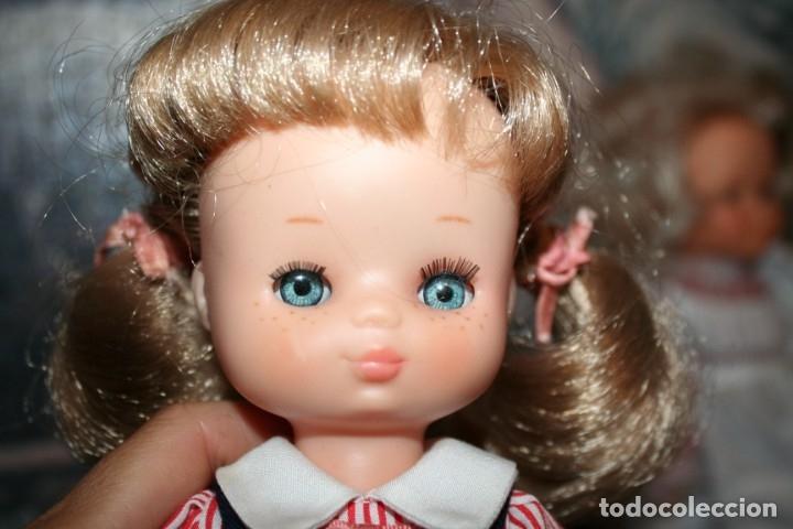 Muñecas Lesly de Famosa: muñeca lesly antigua arona pelirroja con vestido colegiala muy buen estado - Foto 8 - 178378826