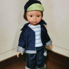 Muñecas Lesly de Famosa: ZAPATILLAS DEPORTE PAOLAS REINA, LESLY. Lote 180046066