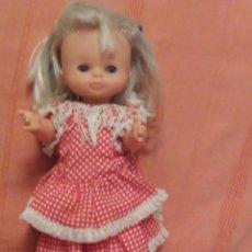 Muñecas Lesly de Famosa: MUÑECA LESLY SEVILLANA FLAMENCA OJOS AZULES AÑOS 70. Lote 182806588