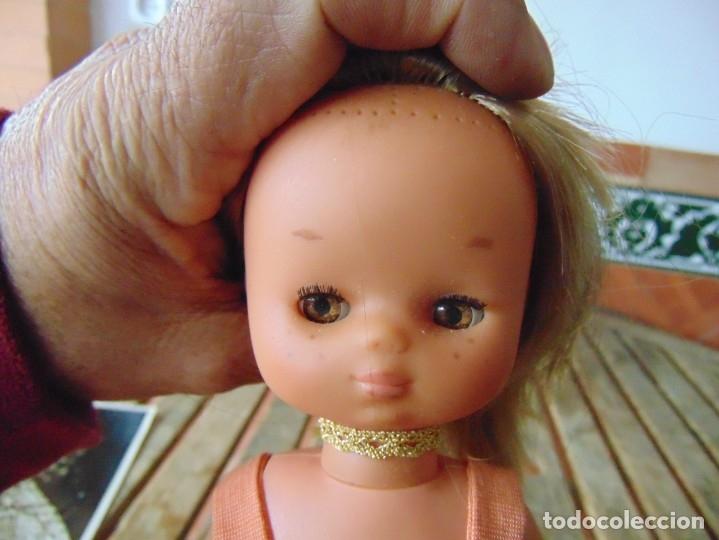 Muñecas Lesly de Famosa: MUÑECA LESLY DE FAMOSA HERMANITA DE NANCY PETO ROSA 4 PECAS - Foto 10 - 182976440