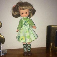 Muñecas Lesly de Famosa: MUÑECA LESLY - FAMOSA - AÑOS 70 - MONÍSIMA - 10 PECAS. Lote 186070690