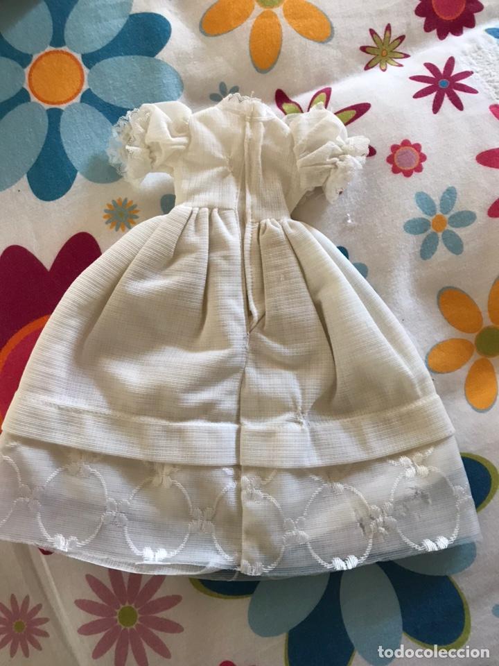 Muñecas Lesly de Famosa: Vestido comunion de lesly versión difícil. Años 80 - Foto 2 - 190614465