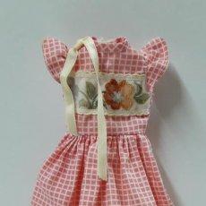 Muñecas Lesly de Famosa: VESTIDO ORIGINAL DE LA MUÑECA LESLY . AÑOS 70. Lote 194370552