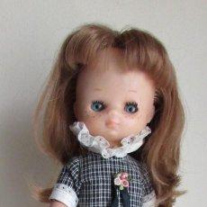 Muñecas Lesly de Famosa: LESLY PELIRROJA DE FAMOSA CON VESTIDO ROMÁNTICA - AÑOS 70 - OJOS PROTOTIPO?. Lote 194403068
