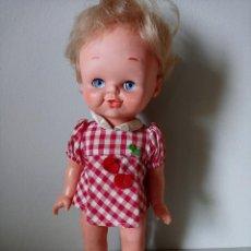 Muñecas Lesly de Famosa: KIKA DE FAMOSA CON ROPA ORIGINAL. Lote 195679527