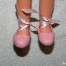 Muñecas Lesly de Famosa: ZAPATILLAS BALLET PARA MUÑECA LESLY ORIGINALES DE JOLLY BAILARINA . Lote 197210181