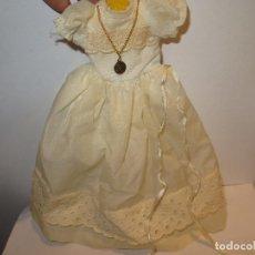 Bonecas Lesly da Famosa: LESLY VESTIDO COMUNION BUEN ESTADO. Lote 199948940
