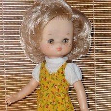 Muñecas Lesly de Famosa: PRECIOSA LESLY RUBIA 5 PECAS. Lote 205602230