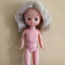 Muñecas Lesly de Famosa: MUÑECA LESLY 4 PECAS. Lote 220037820