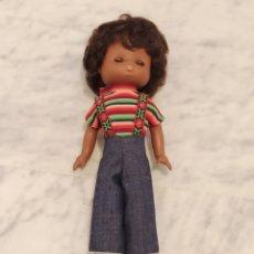 Muñecas Lesly de Famosa: LESLY DE COLOR. Lote 224488935