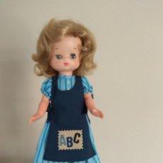 Muñecas Lesly de Famosa: 2 MUÑECAS. MUÑECA LESLY CASERA Y LESLY TRENKA. Lote 224870481