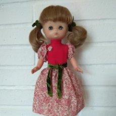 Muñecas Lesly de Famosa: 2 MUÑECAS. MUÑECA LESLY GALA Y LESLY SHORT. Lote 224870658