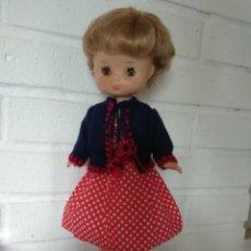 Muñecas Lesly de Famosa: MUÑECA LESLY MODEL IGUELDO DE ORIGEN. Lote 230022760