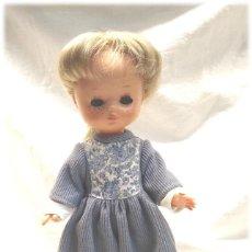 Muñecas Lesly de Famosa: LESLY HERMANA DE NANCY OJOS MARGARITA MIEL 10 PECAS, DE FAMOSA CON CONJUNTO, BUEN ESTADO. Lote 230437030