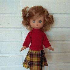 Muñecas Lesly de Famosa: MUÑECA LESLY MODELO SKIRT Nº 59. Lote 233093160