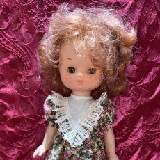 Muñecas Lesly de Famosa: MUÑECA ANTIGUA LESLY AÑOS 80 BUEN ESTADO. Lote 261303135