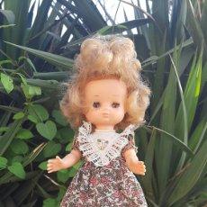 Bonecas Lesly da Famosa: PRECIOSA LESLY 10 PECAS 1978. Lote 252812505