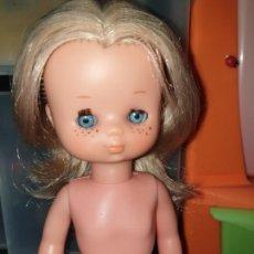Muñecas Lesly de Famosa: BONITA LESLY ORONA AZUL AÑOS 70 10 PECAS EN CADA MEJILLA. Lote 256004535