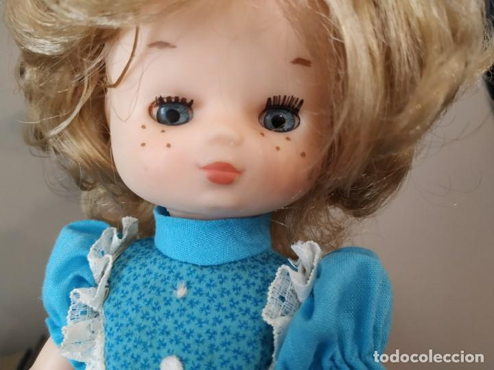 Muñecas Lesly de Famosa: MUÑECA LESLY FAMOSA MODELO CUMPLEAÑOS - Foto 2 - 257468225