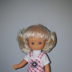 Muñecas Lesly de Famosa: LESLY QUIRÓN CONJUNTO PICHI. Lote 261689870