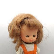 Bambole Lesly di Famosa: LESLY AÑOS 70 10 PECAS. Lote 267827454