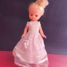 Bambole Lesly di Famosa: MUÑECA LESLY FAMOSA DE COMUNIÓN .VER FOTOS. Lote 269251223
