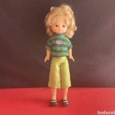 Muñecas Lesly de Famosa: MUÑECA LESLY DE FAMODA .TAL CUAL COMO SE VE EN FOTOS. Lote 270243543