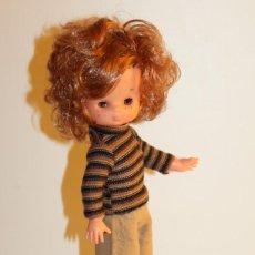 Muñecas Lesly de Famosa: LESLY DE FAMOSA PELIRROJA VESTIDA CON CONJUNTO SPORT - AÑOS 70. Lote 275938253