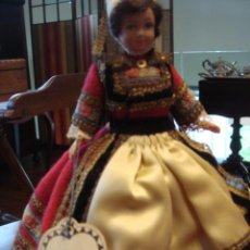 Muñecas Modernas: MUÑECA CON TRAJE REGIONAL- LE MINOR. Lote 26333627