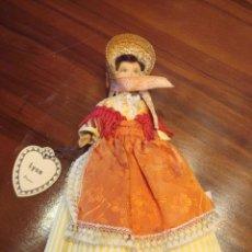 Muñecas Modernas: MUÑECA CON TRAJE REGIONAL. Lote 26334353