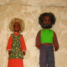Muñecas Modernas: FAMILIA FELIZ PAREJA DE ABUELO Y ABUELA NEGROS, RARISIMOS. Lote 29395492