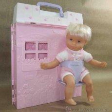 Muñecas Modernas: RARO MIRACLE BABY,NIÑO,MATTEL,CON MALETÍN-HABITACIÓN Y ACCESORIOS,AÑO 2001. Lote 222621053